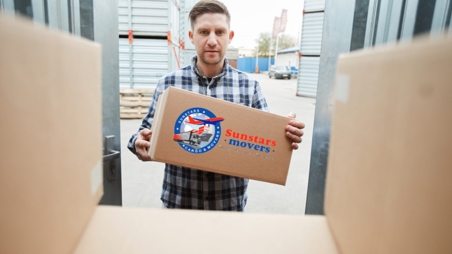 movers and packers in Sharjah at sunstars movers