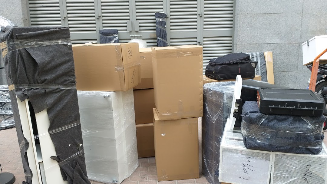Office movers in Abudhabi at sunstars movers