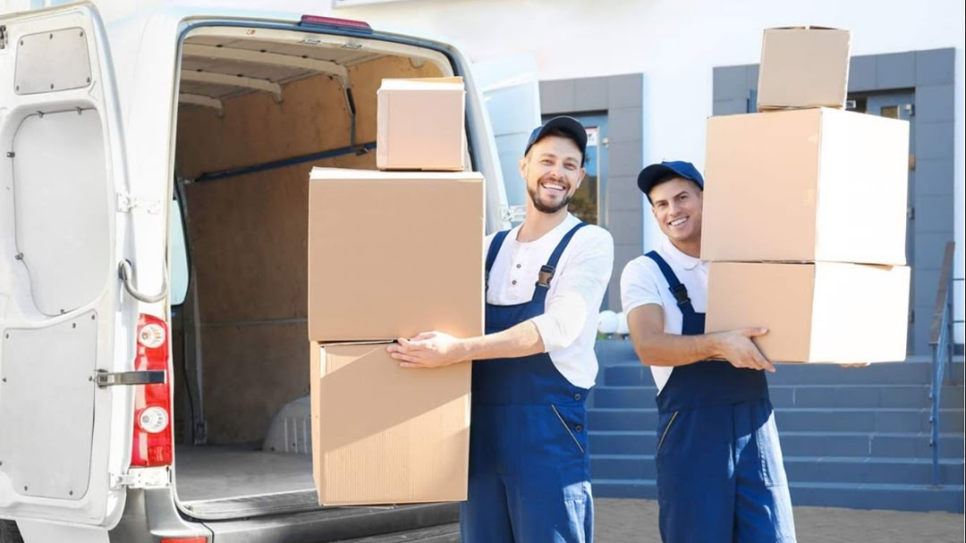 Moving companies in Abudhabi at sunstars movers